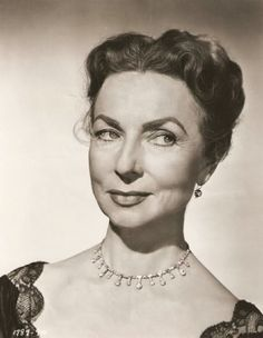agnes moorehead, since you went away Old Hollywood Movies, Golden Age Of Hollywood, Vintage Hollywood, Hollywood Stars, Classic Hollywood, Hollywood Glamour, Agnes Moorehead, All That Heaven Allows, Actor John