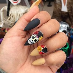 Are you searching for the freshest Halloween nail designs you have never seen before?… - http://makeupaccesory.com/are-you-searching-for-the-freshest-halloween-nail-designs-you-have-never-seen-before-13/