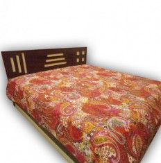 Shop beautiful bed covers at low price from handicrunch.  #bedcovers #bedspread #bedsheets #homedecor #interiordecor