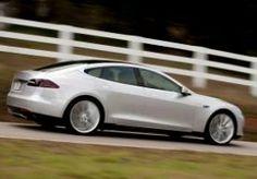 4-Jun-2013 15:41 - KLEINE KLAP VOOR TESLAS EIGEN DEALERNETWERK. Tesla zet alles op alles om in de Verenigde Staten zn autos zonder tussenkomst van een dealer aan de man te brengen. De fabrikant van elektrische autos heeft in dat streven deze week een kleine tik gekregen.