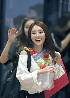 DREAMCATCHER - SuA 수아 (Kim BoRa 김보라) M!Countdown commute 'Prequel' era 170810 #드림캐쳐 #프리퀄 #출근길
