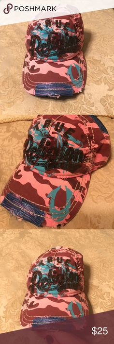 True Religion Hat!! Worn once! Like new! This true religion hat is super cute! If ya like pink camouflage, your set to go with this little gem!!! 😁👍🏻 True Religion Accessories Hats