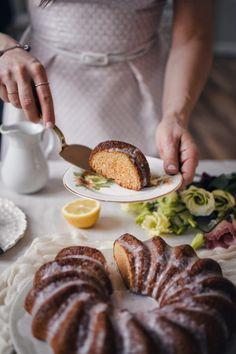 Citrónová bábovka s malinami • CukrFree.cz Bounty Cake, Healthy Cake, Pretzel Bites, Paleo, Low Carb, Bread, Cooking, Desserts, Recipes