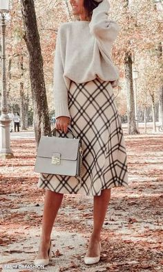 Elegant fall outfits for women in 2019 minimal and classy womens fashion chic trends fall fashion noble Business Outfit, Business Casual, Business Suits, Outfit Trends, Looks Vintage, Mode Outfits, Elegant Outfit, Look Fashion, Womens Fashion