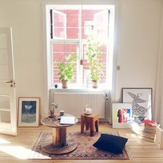 """42 likerklikk, 11 kommentarer – Victoria Diemer Bennetzen (@victoriadiemer) på Instagram: """"My #Working #spot today ☺️ #arbejdarbejd  #interior #design #architecture #light #morningglory…"""""""