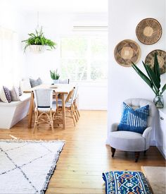 my scandinavian home: A Relaxed Beach Home in Neutral, Earthy Tones