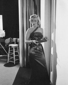 """Image - 1953 / Marilyn, Betty GRABLE et Lauren BACALL lors du tournage et photos publicitaires de """"How to marry a millionaire"""" sous les objectifs de John FLOREA et Frank WORTH. - Wonderful-Marilyn-MONROE - Skyrock.com"""