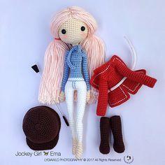 English: Crochet Doll in Girl Ema 艾玛 & EE Unicorn Hobby Horse Crochet Amigurumi Free Patterns, Crochet Doll Pattern, Crochet Dolls, Unicorn Hobby Horse, Crochet Disney, Cute Crochet, Amigurumi Doll, Stuffed Toys Patterns, Doll Patterns