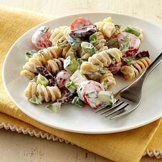 Pasta salad is an easy and versatile dish, perfect for potlucks, packed lunches, and main-dish dinners. Try one of our veggie-loaded healthy pasta salad recipes under 400 calories for a delicious dish that's full of nutrition. Creamy Pasta Salads, Healthy Pasta Salad, Healthy Pastas, Pasta Salad Recipes, Good Healthy Recipes, Healthy Foods, Healthy Eating, Healthy Potluck, Breakfast