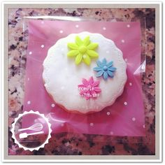 "Butter cookie with sugar paste. ""Flowers"" #cookies #flowers"
