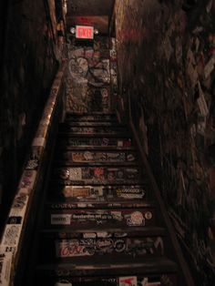 CBGB& staircase / smoked so many cigarettes, kissed a few Punk Rock boys, had a lot of laughs, and comforted one crying friend on that stair case. City Aesthetic, Aesthetic Grunge, Marla Singer, Les Aliens, Grunge Photography, Aesthetic Pictures, Aesthetic Wallpapers, Photo Wall, At Least