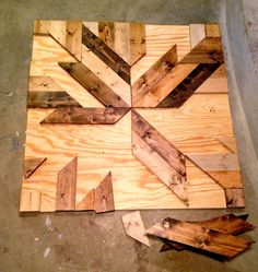 Build: diy wood planked quilt wall art         Make this wall decor using pine boards, glue and various stains.   It makes a great statem...