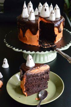 Celebration Treats 4U: Halloween -kakku - Haamujengi kasassa Treats, Halloween, Cake, Desserts, Celebration, Food, Sweet Like Candy, Tailgate Desserts, Goodies