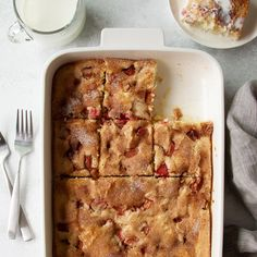 Rhubarb Desserts, Rhubarb Cake, Rhubarb Recipes, Rhubarb Muffins, Baking Recipes, Dessert Recipes, Dessert Tray, Dessert Ideas, Summer Cakes
