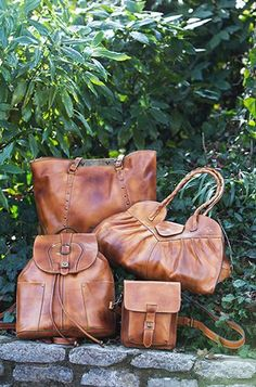 ===> http://www.brand-handbags.net <===More Gorgeous Handbag Collections -Patricia Nash oil-rubbed leather purses. Can't believe the headquarters are located in downtown Knoxville, Tn.  And, she offers one of the best window-shopping experiences on Gay St., one of America's top ten urban streets.