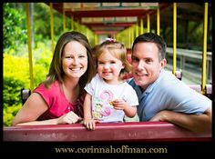© Corinna Hoffman Photography - www.corinnahoffman.com - Family Photo Session - Jacksonville Zoo - Jacksonville FL Family Photographer