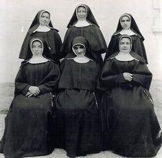 Tradycyjne habity zakonne: ss. Maryi Niepokalanie Poczętej z Vorau