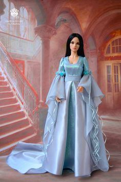 Luxurious dress elven princess. Frosty dress, silver satin and organza ice droplets. The dress is made of satin, lined. Sleeve chiffon, is