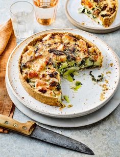 Try our homity pie recipe. Our easy vegetarian pie recipe is an easy pie recipe with leeks. Make this simple homity pie recipe for a traditional British pie Easy Pie Recipes, Veggie Recipes, Summer Recipes, Easy Dinner Recipes, Vegetarian Recipes, Cooking Recipes, Veggie Dinners, Picnic Recipes, Appetizer Recipes