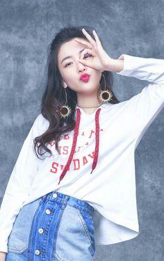 Beautiful Chinese Girl, Beautiful People, Tori Tori, My Amazing Boyfriend, Girl Drama, Preety Girls, Cute Korean Girl, Cute Girl Face, Chinese Model
