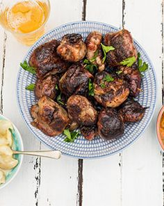 Want to impress at the dinner table? Let our celeb chefs, Nataniel and Jenny Morris, show you the way to making meals memorable with mouth-watering recipes. Jenny Morris, South African Recipes, Food Lists, Dinner Table, Easy Dinner Recipes, Make It Simple, How To Memorize Things, Wellness, Beef