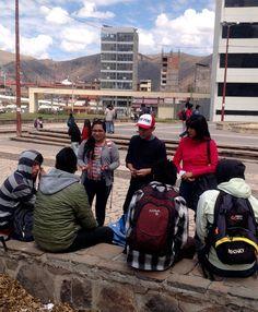 Karin, Omar y Milagros evangelizando