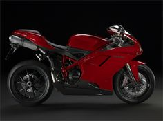Ducati Superbike 848 EVO (2011) - Hersteller:Ducati Land: Baujahr:2011 Typ (2ri.de):Superbike Modell-Code:k.A. Fzg.-Typ:k.A. Leistung:140 PS (103 kW) Hubraum:849,4 ccm Max. Speed:k.A. Aufrufe:9.195 Bike-ID:2623