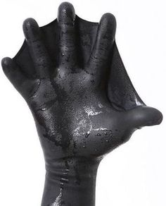 Darkfin webbed gloves enhance your surf paddling, swimming resistance, and diving propulsion. The most advanced webbed gloves in the water! Power Glove, Cool Inventions, Cool Tech, Tactical Gear, Tactical Survival, Survival Gear, Survival Skills, Snorkeling, Outdoor Gear