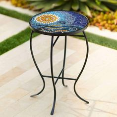 51 Outdoor Side Tables That Will Add Convenience To Your Outdoor Experience Side Tables For Sale, Turquoise Home Decor, Patio Side Table, Porch Garden, Garden Art, Island Design, Decks And Porches, Outdoor Tables, Mosaic Glass