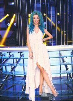 Andreea balan Romania, High Low, Celebrity Style, Jewels, Detail, Celebrities, Color, Dresses, Fashion