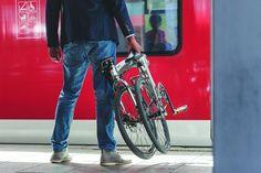 ¿Pensando en comprar una bicicleta plegable? No te pierdas nuestra guía con todos los consejos y las mejores marcas.