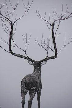 portermoto:  Sculpture by Byeong Doo Moon