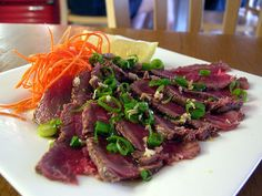 Japanese Beef Tataki is a recipe for PV days in the Cruise Phase Dukan Diet. If you leave out the carrot and radish it can also be enjoyed on PP days. Dukan Diet Recipes, Gourmet Recipes, Beef Recipes, Healthy Recipes, Healthy Food, Pure Protein Foods, Beef Tataki, Carb Cycling Diet, Japanese Diet