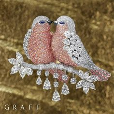 @graffdiamonds.Alluring Beauty: Worn by aristocracy and royalty, through to modern day followers of fashion, brooches have evolved and maintained their allure through the ages. As ambassadors of cutting edge design, Graff pushes the boundaries of the brooch aesthetic with a collection of figurative bird brooches. #GraffDiamonds #FineJewellery #DiamondDesign #LoveBirds #DiamondBrooch #Baselworld #Baselworld2017