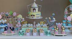 Festa circo para menina em tons pastéis com bichinhos de feltro.
