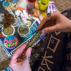What's your rolling tray looking like? Roll up in style with our stickers & #MMJCO VS #SOKOL leggings! Available from the link in our profile! #MissMaryJane #MissMaryJaneGirls #MissMaryJaneCo #MMJCO