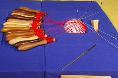 Geklöppelte Kugeln   Note: bobbin lace ball. Not a pattern exactly. More of a general idea and you follow through...