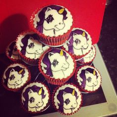 Some unicorn cupcakes :) Unicorn Cupcakes, Unicorns, Party Ideas, Cookies, My Love, Desserts, Food, Tailgate Desserts, Biscuits