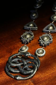 Victorian Style Jewelry - Necklace - The neverending story - Two snakes