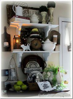 Wonderful fall vignette from Gail's Decorative Touch