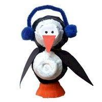 Cute little penguin crafts for kids to make in the winter time.