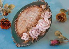 Ελάτε να μάθουμε μαζί την τεχνική του Sculpture Painting! Χρησιμοποιώντας σπάτουλες και πάστες φτιάχνουμε υπέροχα λουλούδια διακοσμώντας ξύλο ή οποιαδήποτε άλλη επιφάνεια! Σε ένα τετράωρο ταχύρυθμο σεμινάριο η Βαρβάρα Κουμασίτη θα μας δείξει την μέθοδο και την τεχνική!  #Γλυπτική ζωγραφική #sculpturepainting #Μορφές