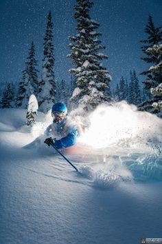 Geoff Holman skis pow