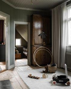 Home Decoration For Ganpati Design Hotel, House Design, Sweden House, Interior And Exterior, Interior Design, Dark Interiors, Scandinavian Interior, Cozy House, Cheap Home Decor