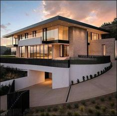 [TAMAT] Menikah demi melunasi hutang keluarga bukanlah hal yang b… #fiksipenggemar # Fiksi Penggemar # amreading # books # wattpad Dream Home Design, Modern House Design, My Dream Home, Modern Exterior, Exterior Design, Modern Architecture House, Architecture Design, Modern Houses, Modern House Exteriors