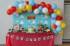 Cake table, balloon garland Toy Story Birthday, Birthday Cake, Balloon Garland, Balloons, Cake Table, Desserts, Food, Tailgate Desserts, Birthday Cakes