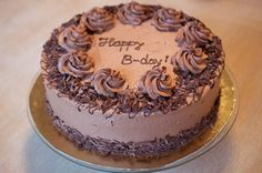 Tort cu ciocolata si branza , crema de mascarpone cu Nutella , imbracat in crema de ciocolata Lucky Cake, Birthday Wishes, Birthday Cake, Nutella, Happy B Day, Tiramisu, Cookie Recipes, Caramel, Cheesecake