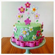 New birthday cake girls kids flowers Ideas - Birthday Cake Flower Ideen Birthday Cakes Girls Kids, New Birthday Cake, Birthday Cake With Flowers, Flower Birthday, Cake Kids, Cake Flowers, Children Cake, Pretty Cakes, Beautiful Cakes