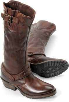 boots..nice style for fall & winter