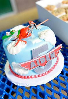 This is probably fondant, but I love the fluffy clouds. Planes Birthday Cake, Disney Planes Birthday, Boy Birthday Parties, Birthday Fun, Birthday Celebration, Birthday Ideas, Cupcakes, Cupcake Cakes, Disney Planes Cake
